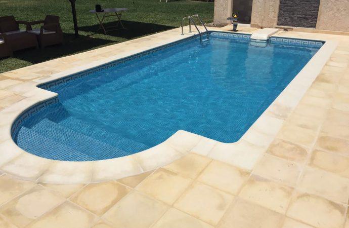 Quelle colle pour mosaïque piscine ?